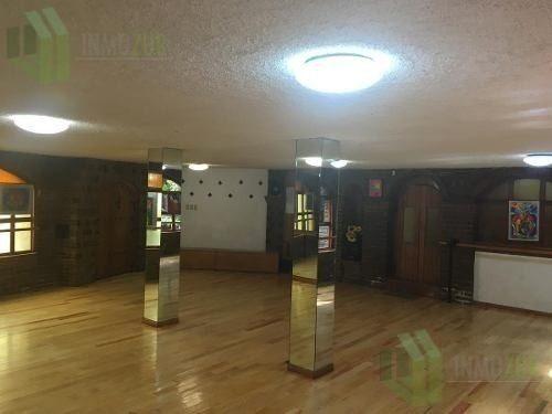salón para clases de baile, danza o cultural