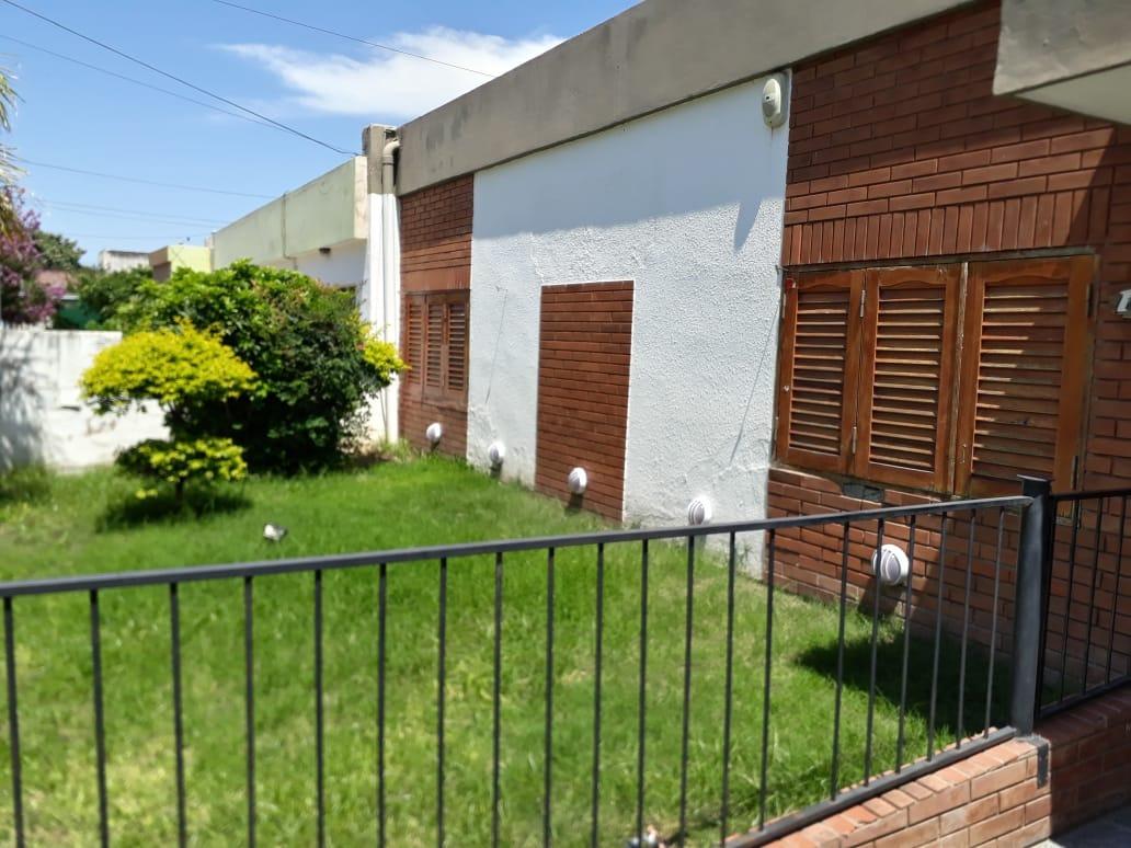 salón/casa/local en barrio residencial américa, córdoba