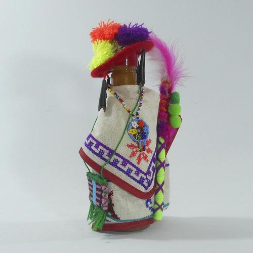 salsa huichol con traje típico | ambiente mexicano
