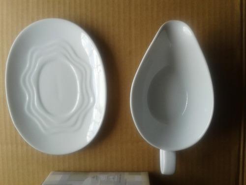 salsera blanca de porcelana