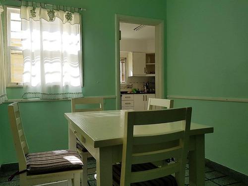 san fernando. excelente casa, solida y luminosa de amplios ambientes