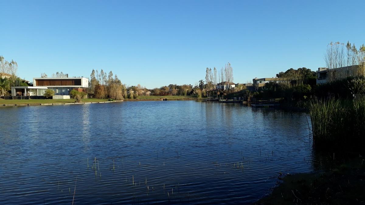 san marco lote al agua c/ vista abierta y panorámica 1.200m²