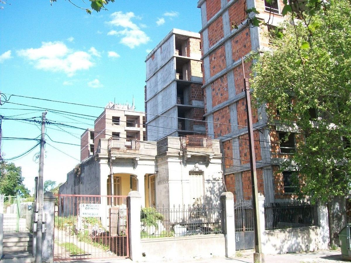 san martín nº 3606  local/ casa en terreno 1.434 m2