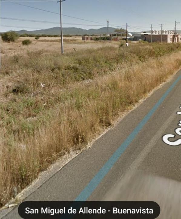 san miguel de allende, terreno plano 2.5 ha,pie de carretera