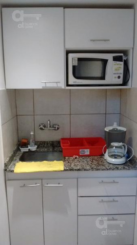 san telmo - 3 amb. ph tipo duplex -  equipado c/lavarropas - excelente zona - alquiler temporario sin garantia