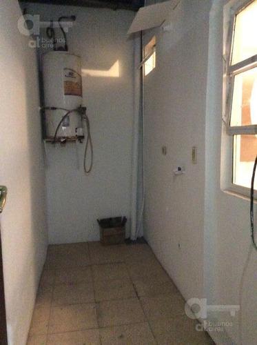 san telmo, 3 ambientes con altillo y patio en venta