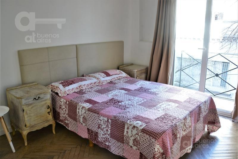 san telmo. moderno loft con balcón. alquiler temporario sin garantías.