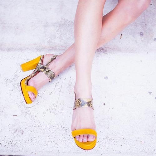 sandalia alta verano cuero cabritilla gamuzada y reptil