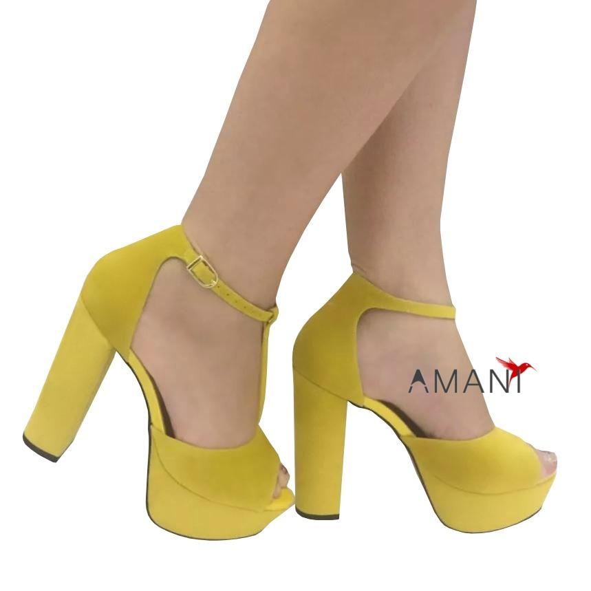 a8e7125526 sandália amarela salto alto grosso meia pata fechada vr. Carregando zoom.
