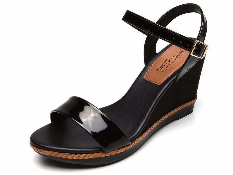 85d50e7290 sandália anabela beira rio conforto preta. Carregando zoom.