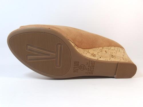 sandália anabela caramelo vizzano. últimos pares n33 e n36