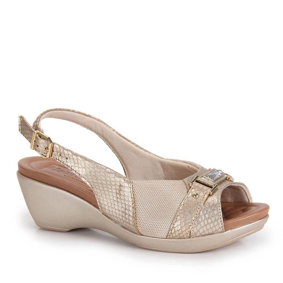 f5c5c7a0e Sandália Anabela Conforto Feminina Usaflex - Dourado - R$ 189,99 em ...