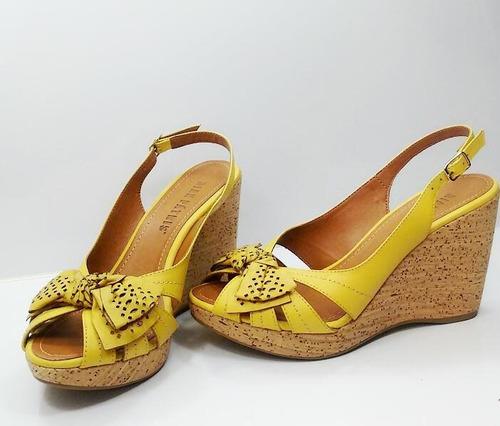 sandalia anabela couro dian patris amarelo com laço e cortiç