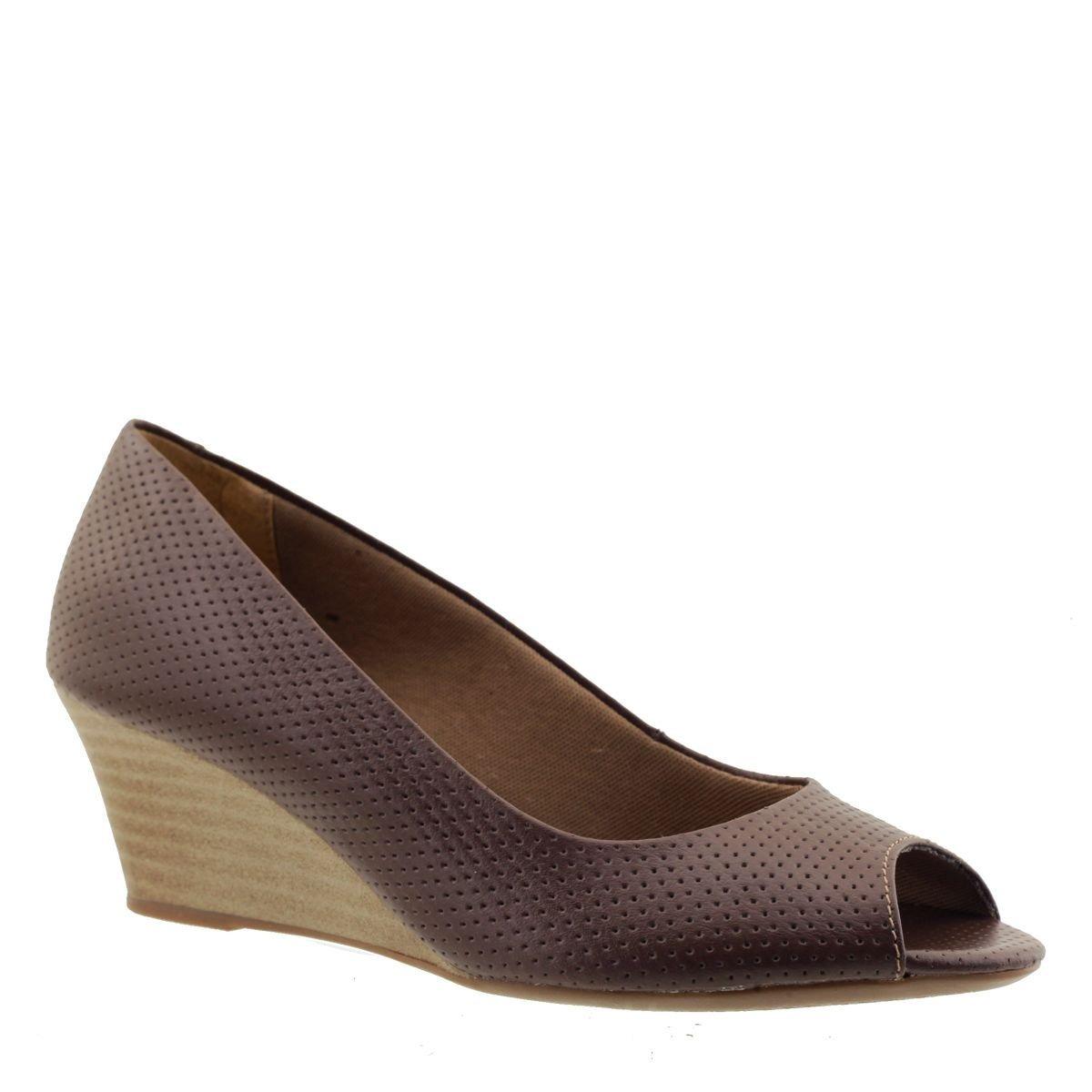 689215ffd8 sandália anabela couro feminina chocolate. Carregando zoom.
