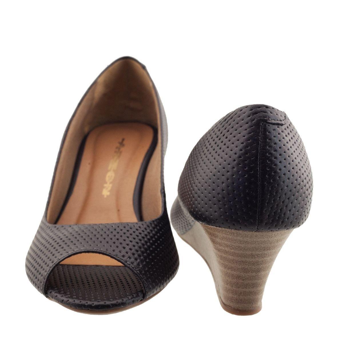 44304b2d29 sandália anabela couro feminina preta. Carregando zoom.