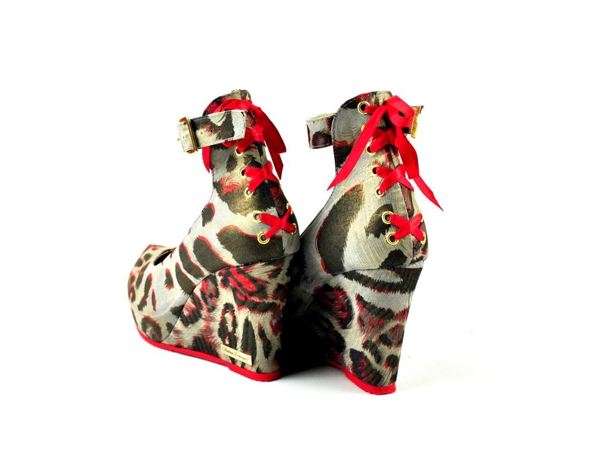 6f126ad582 sandália anabela feminina estampada peeptoe boneca laço onça. Carregando  zoom.