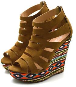 af8415698 Sandalia Gladiadora Salto Anabela Lindissima Feminino - Sapatos no Mercado  Livre Brasil