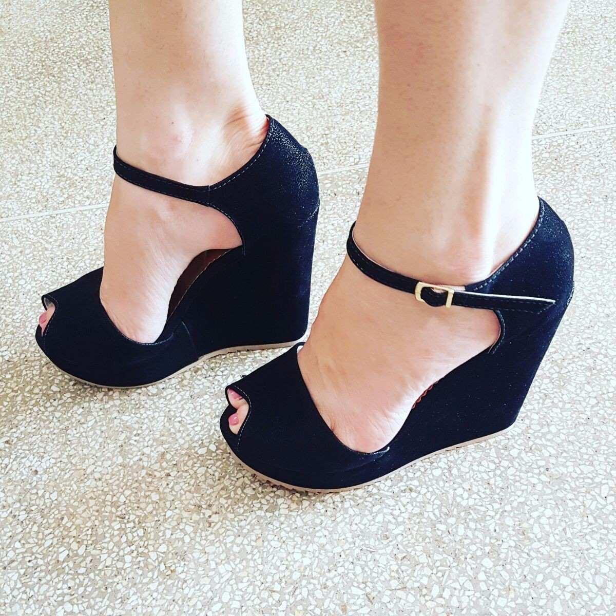 1380dc199b sandália anabela plataforma feminino inspiração moda 329. Carregando zoom.