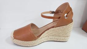 515d81e00 Sandalia De Tiras Altura Da Coxa Feminino Sandalias Schutz - Sapatos Marrom  no Mercado Livre Brasil