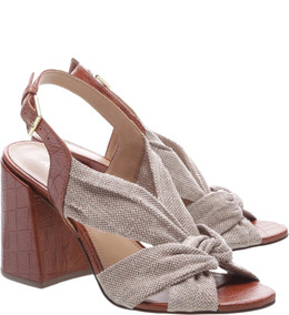 7b881bae0 Sandalia De Tiras De Amarrar Arezzo Feminino - Sapatos com o ...