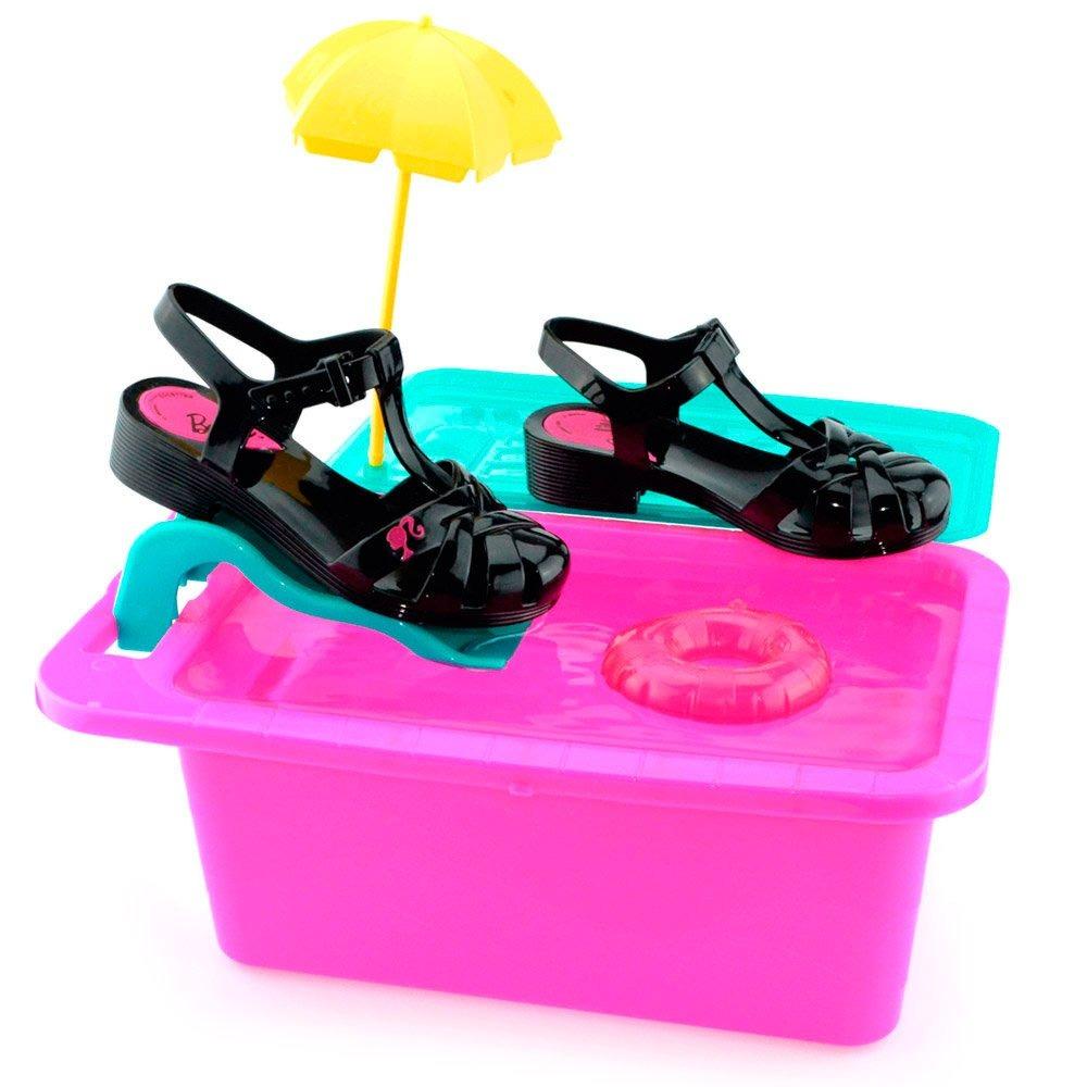 0084e3368 sandália barbie festa na piscina 21600 grendene - godiva. Carregando zoom.