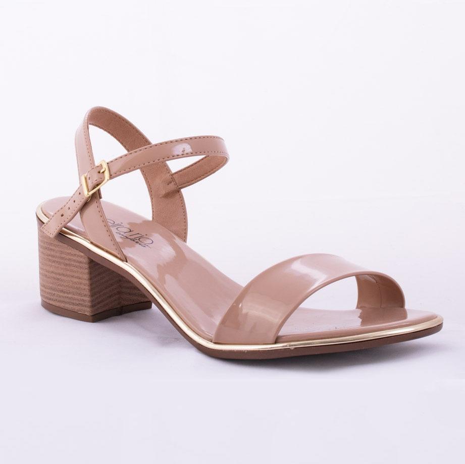 79b924291c sandália beira rio verniz premium. Carregando zoom.