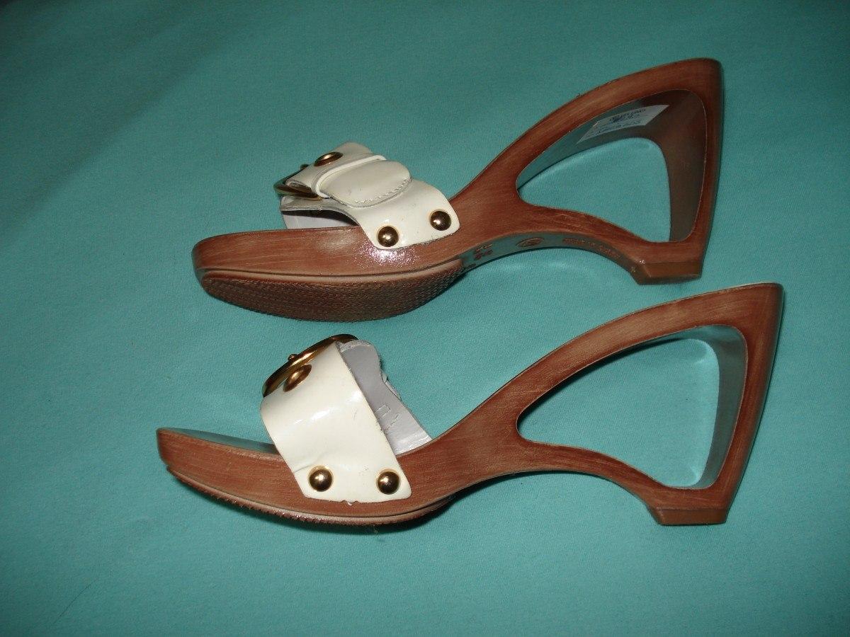 d29e21657 sandália branca via uno com salto vazado 35 semi-nova. Carregando zoom.