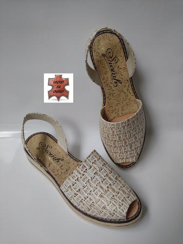 sandalia calzado en cuero repujado beige moda envío gratis