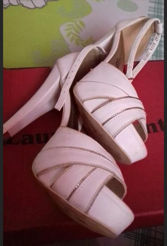 e3e1059c3 Sandalia Carmen Steffens.... Ideal Para Noivas - R$ 130,00 em ...