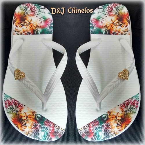 sandália chinelo havaianas decorados e bordados com pingente
