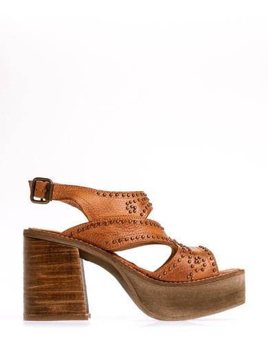 sandalia clara barcelo punto y aparte