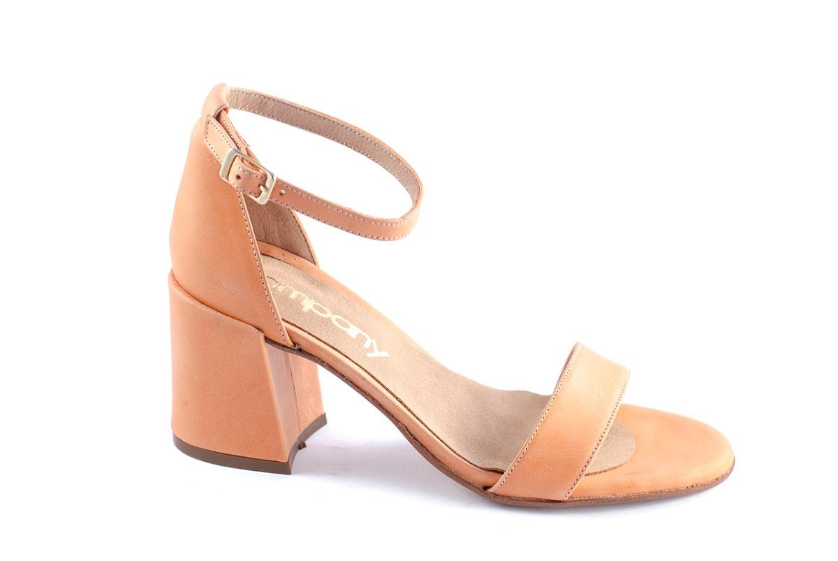 21285ae4e23 sandalia clásica cuero sin plataforma taco bajo 7cm. Cargando zoom.