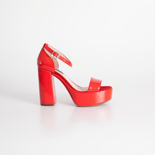 sandalia con plataforma de charol art mimi rojo otro calzado