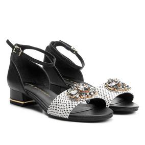10861c1833 Sapatos Salto Baixo Com Pedras Jorge Bischoff - Sapatos no Mercado ...