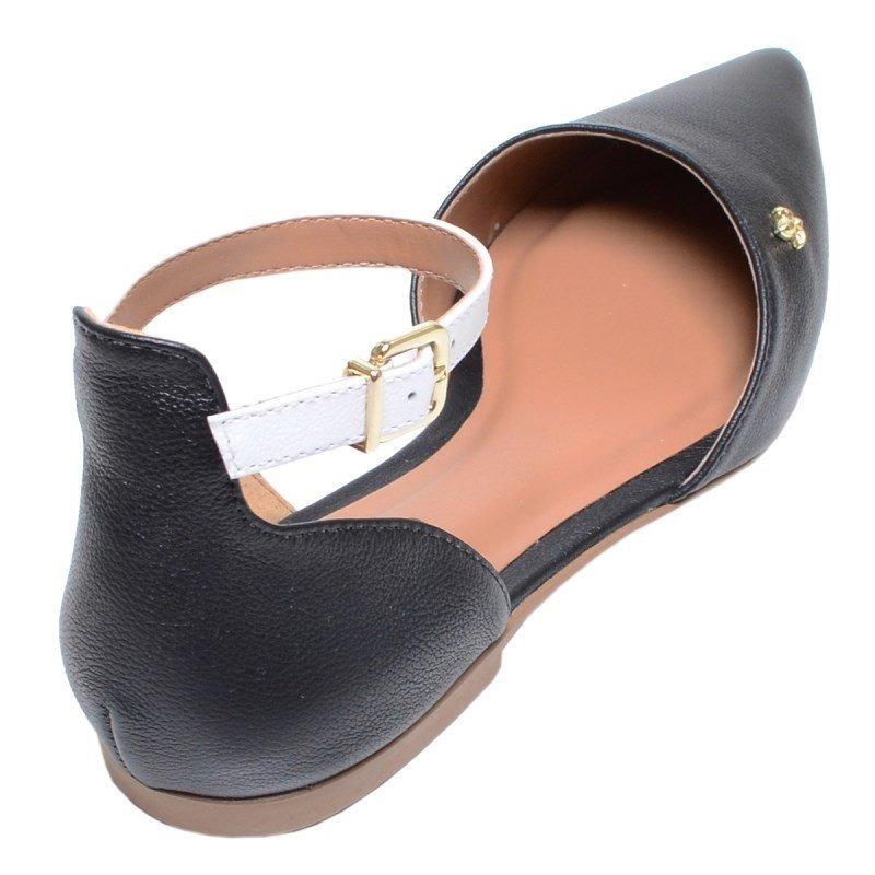 27c236e5b3 sandália feminina rasteira de bico fino cravo e canela preta. Carregando  zoom... sandália cravo canela. Carregando zoom.