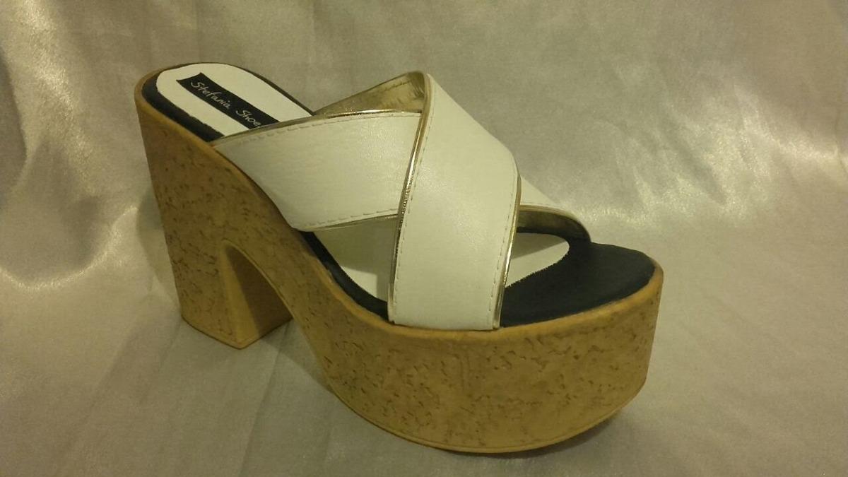 a715f0358d0 sandalia cuero ecologico plataforma blanco con ribete dorado. Cargando zoom.
