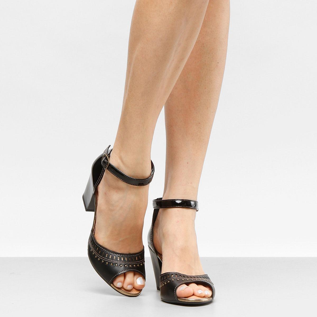e49ea7117b sandália dakota salto grosso laser feminina preta. Carregando zoom.