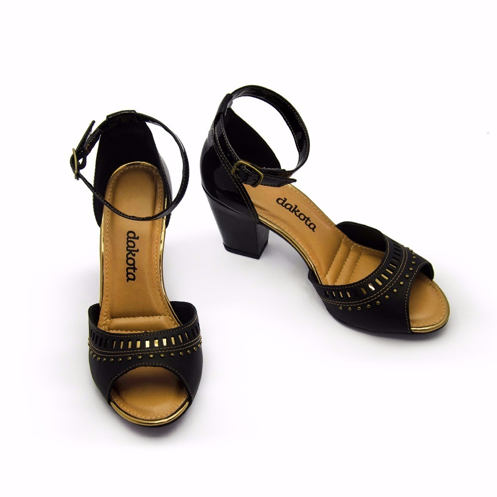 d4ab0219e2 sandália dakota salto grosso z2223. Carregando zoom.