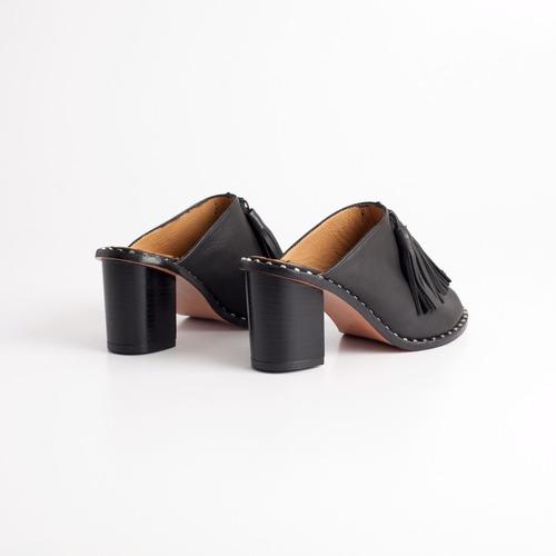 sandalia de cuero. art tijuca negro. otro calzado