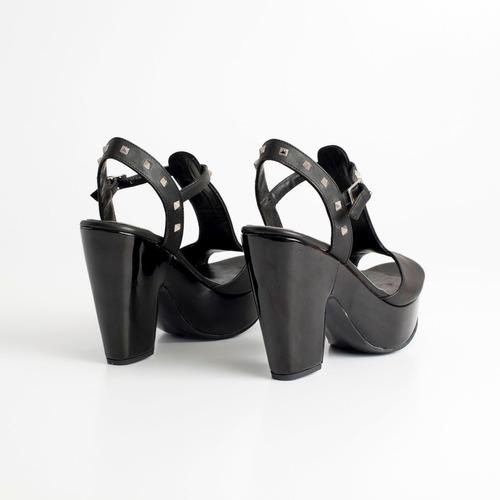sandalia de cuero c/ plataforma. art pipa. otro calzado