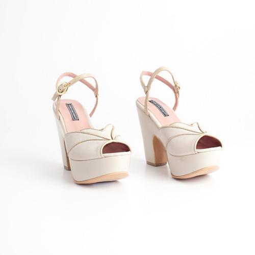 sandalia de cuero c/ plataforma. art serena 111 otro calzado