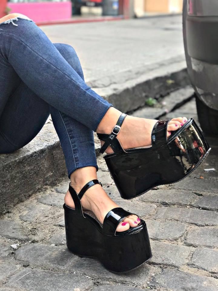 c911cbf1 sandalia de fiesta plataforma charol moda verano 2018 magna. Cargando zoom.