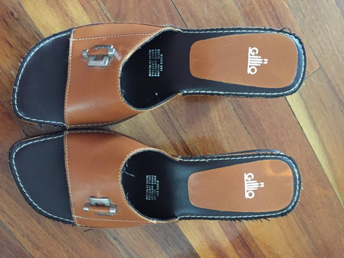 sandalia de piel  talla 24.