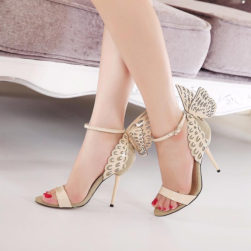 327a0b618 sandália dourada salto alto com asa p/ festas e casamentos. Carregando zoom.