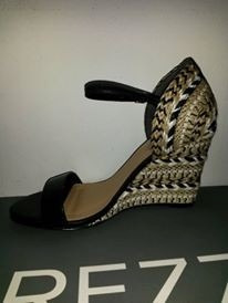 sandalia feminina anabela arezzo cortiça couro preta