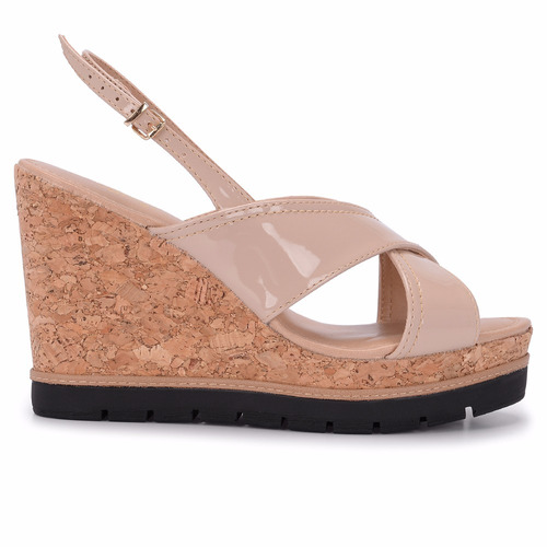 sandália feminina anabela cortiça verniz amêndoa