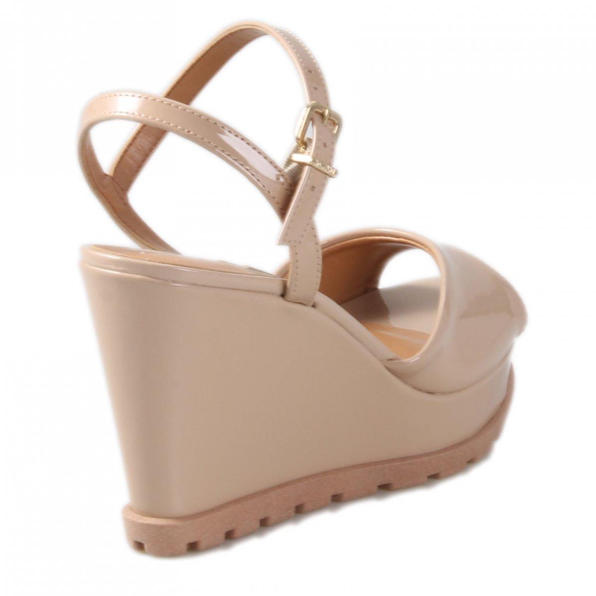 f3a63adde sandália feminina anabela vizzano verniz nude 6353106. Carregando zoom.