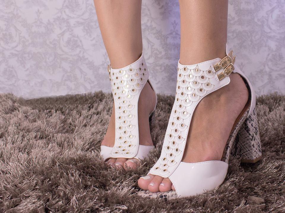 e69674be9b sandália feminina branca! salto alto! luxo! festa. Carregando zoom.