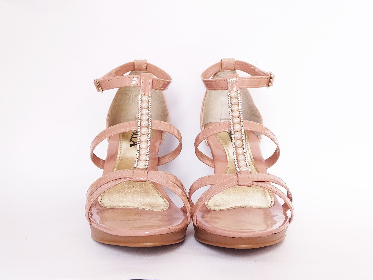 790bfe37f9 sandália feminina couro sintetico. Carregando zoom.