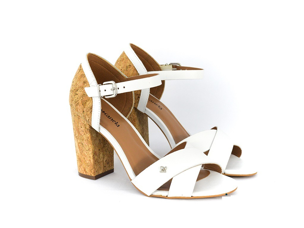 de65c9e901 sandália feminina cravo canela branca final de ano original. Carregando  zoom.